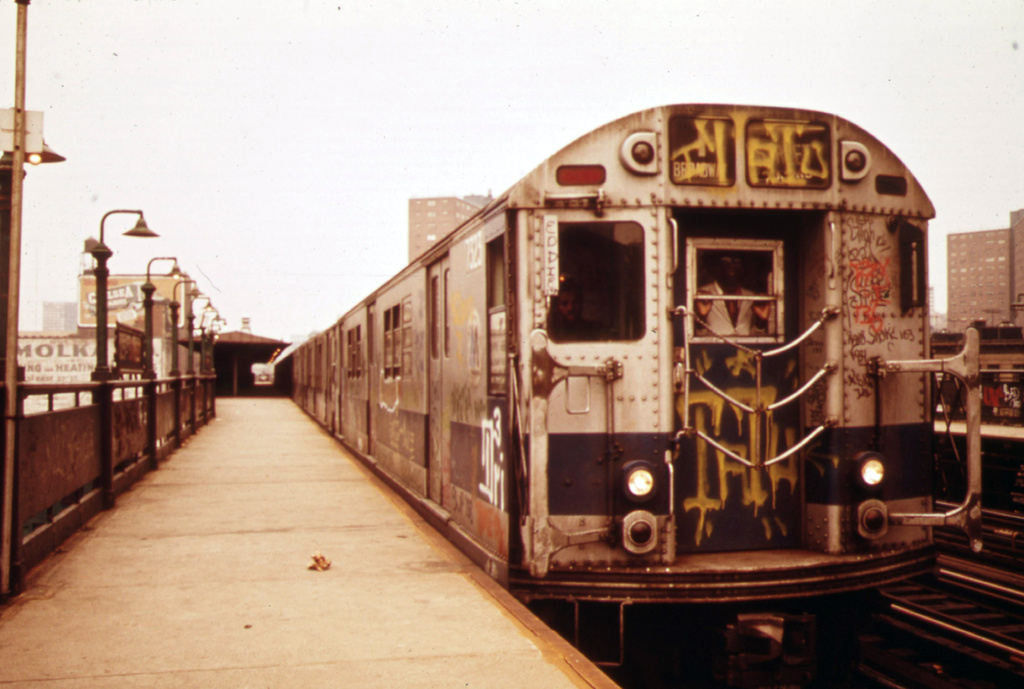 (278k, 1024x689)<br><b>Country:</b> United States<br><b>City:</b> New York<br><b>System:</b> New York City Transit<br><b>Line:</b> IRT West Side Line<br><b>Location:</b> 125th Street <br><b>Route:</b> 1<br><b>Car:</b> R-22 (St. Louis, 1957-58) 7323 <br><b>Photo by:</b> Erik Calonius, US National Archives<br><b>Collection of:</b> Flickr Commons<br><b>Date:</b> 5/1973<br><b>Viewed (this week/total):</b> 1 / 1389