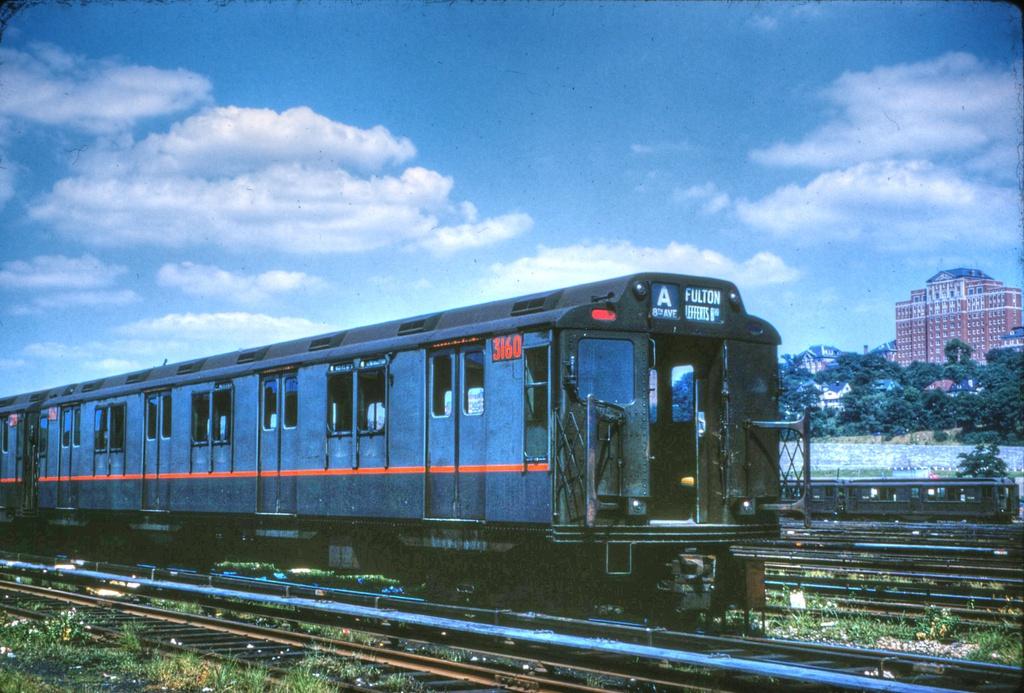 (296k, 1024x693)<br><b>Country:</b> United States<br><b>City:</b> New York<br><b>System:</b> New York City Transit<br><b>Location:</b> 207th Street Yard<br><b>Car:</b> R-10 (American Car & Foundry, 1948) 3160 <br><b>Collection of:</b> Stephen DeLuca<br><b>Date:</b> 7/16/1960<br><b>Viewed (this week/total):</b> 5 / 2013