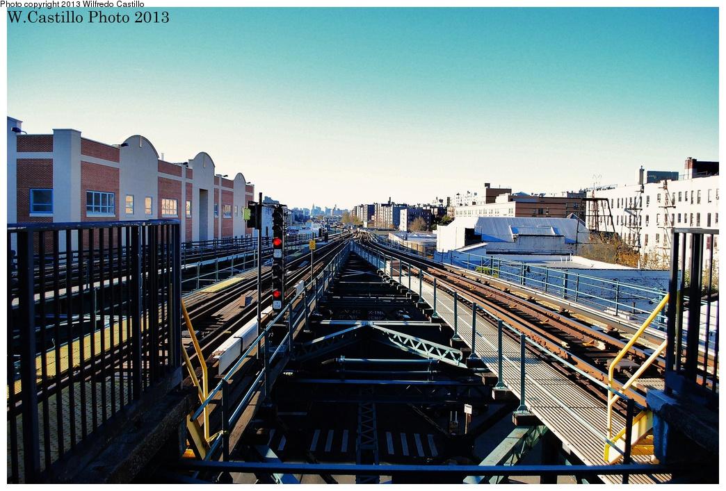(376k, 1044x707)<br><b>Country:</b> United States<br><b>City:</b> New York<br><b>System:</b> New York City Transit<br><b>Line:</b> IRT Woodlawn Line<br><b>Location:</b> Burnside Avenue <br><b>Photo by:</b> Wilfredo Castillo<br><b>Date:</b> 11/4/2012<br><b>Viewed (this week/total):</b> 0 / 1018