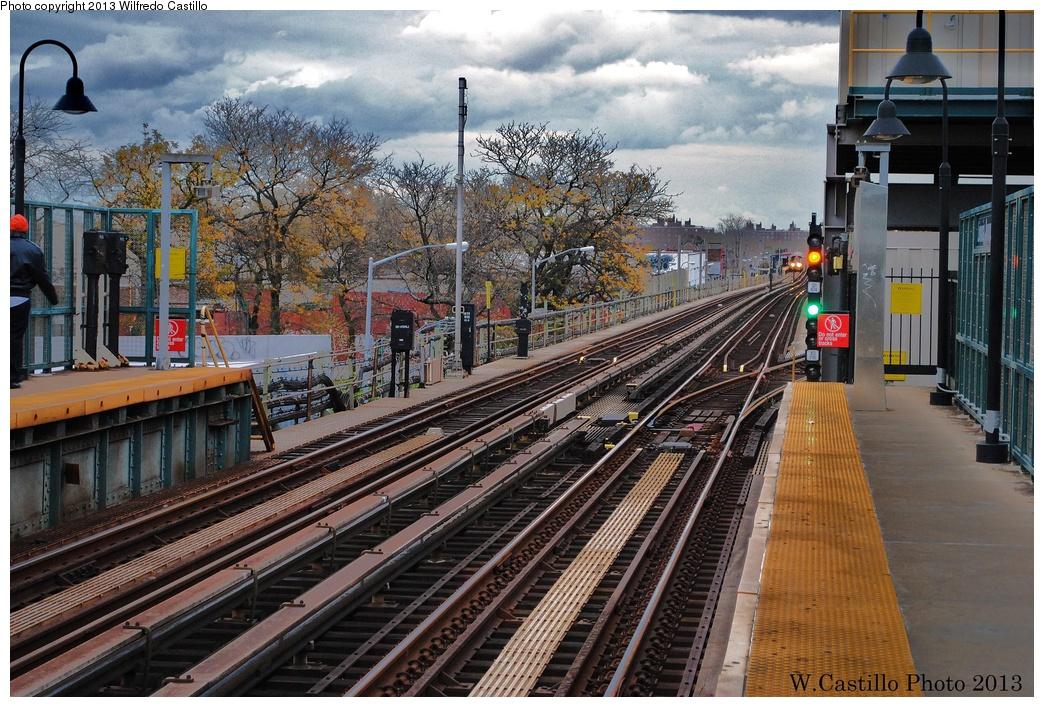 (415k, 1044x707)<br><b>Country:</b> United States<br><b>City:</b> New York<br><b>System:</b> New York City Transit<br><b>Line:</b> BMT Canarsie Line<br><b>Location:</b> Livonia Avenue <br><b>Photo by:</b> Wilfredo Castillo<br><b>Date:</b> 11/2/2012<br><b>Viewed (this week/total):</b> 5 / 916