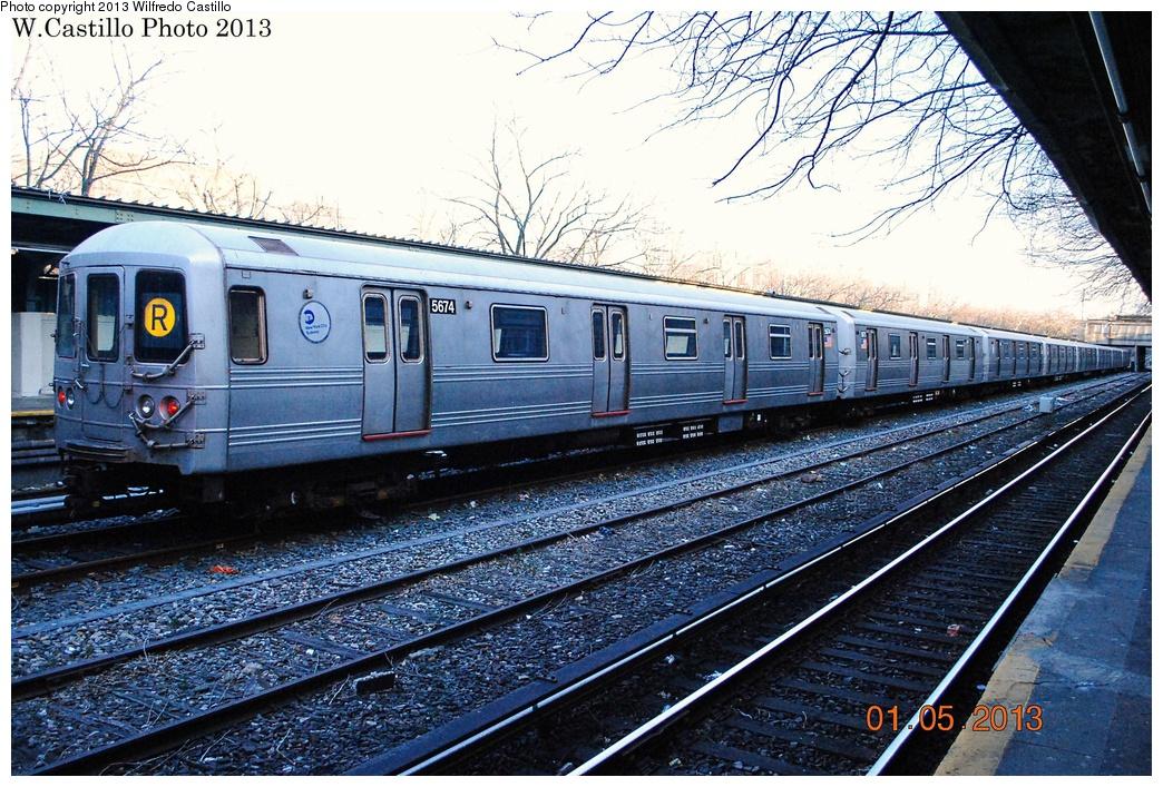 (416k, 1044x707)<br><b>Country:</b> United States<br><b>City:</b> New York<br><b>System:</b> New York City Transit<br><b>Line:</b> BMT Sea Beach Line<br><b>Location:</b> Fort Hamilton Parkway <br><b>Route:</b> R<br><b>Car:</b> R-46 (Pullman-Standard, 1974-75) 5674 <br><b>Photo by:</b> Wilfredo Castillo<br><b>Date:</b> 1/5/2013<br><b>Viewed (this week/total):</b> 3 / 1014