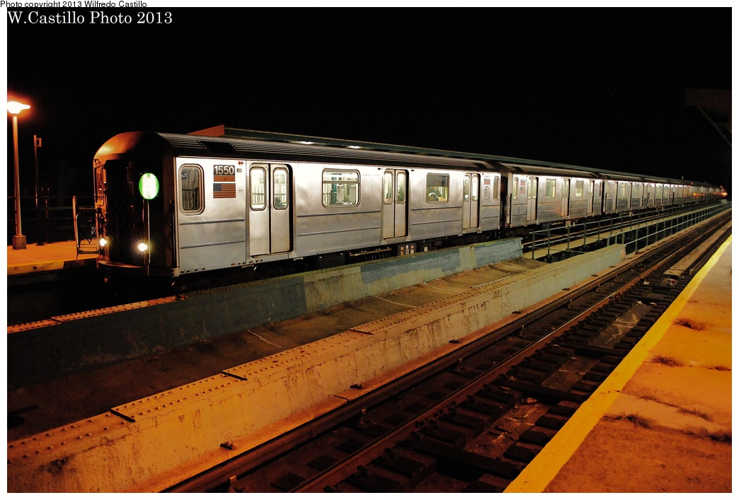 (294k, 1044x707)<br><b>Country:</b> United States<br><b>City:</b> New York<br><b>System:</b> New York City Transit<br><b>Line:</b> IRT Brooklyn Line<br><b>Location:</b> Saratoga Avenue <br><b>Route:</b> 4<br><b>Car:</b> R-62 (Kawasaki, 1983-1985)  1550 <br><b>Photo by:</b> Wilfredo Castillo<br><b>Date:</b> 11/3/2012<br><b>Viewed (this week/total):</b> 0 / 1033