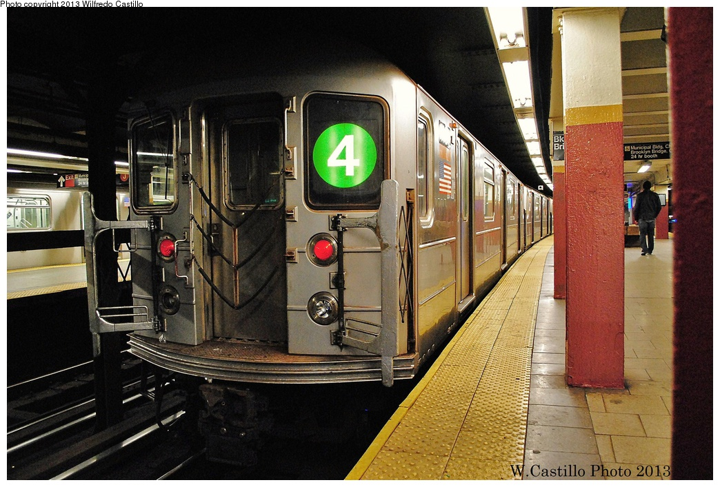 (369k, 1044x707)<br><b>Country:</b> United States<br><b>City:</b> New York<br><b>System:</b> New York City Transit<br><b>Line:</b> IRT East Side Line<br><b>Location:</b> Brooklyn Bridge/City Hall <br><b>Route:</b> 4<br><b>Car:</b> R-62 (Kawasaki, 1983-1985)   <br><b>Photo by:</b> Wilfredo Castillo<br><b>Date:</b> 11/4/2012<br><b>Viewed (this week/total):</b> 1 / 1213
