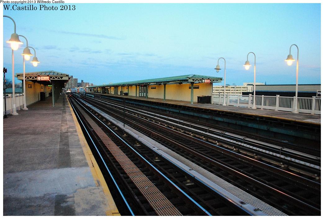 (323k, 1044x707)<br><b>Country:</b> United States<br><b>City:</b> New York<br><b>System:</b> New York City Transit<br><b>Line:</b> IRT Pelham Line<br><b>Location:</b> Westchester Square <br><b>Photo by:</b> Wilfredo Castillo<br><b>Date:</b> 1/10/2013<br><b>Viewed (this week/total):</b> 1 / 1147