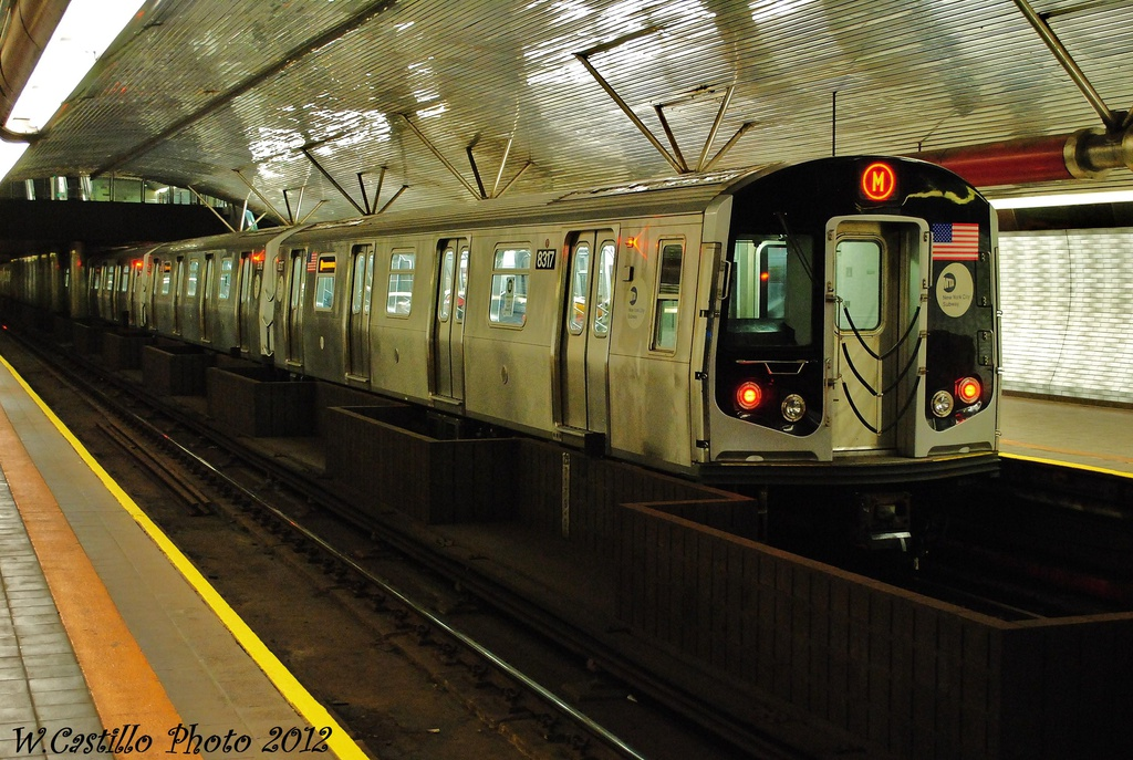 (349k, 1024x687)<br><b>Country:</b> United States<br><b>City:</b> New York<br><b>System:</b> New York City Transit<br><b>Line:</b> IND 63rd Street<br><b>Location:</b> Roosevelt Island <br><b>Route:</b> M<br><b>Car:</b> R-160A-1 (Alstom, 2005-2008, 4 car sets)  8317 <br><b>Photo by:</b> Wilfredo Castillo<br><b>Date:</b> 11/4/2012<br><b>Viewed (this week/total):</b> 0 / 1085