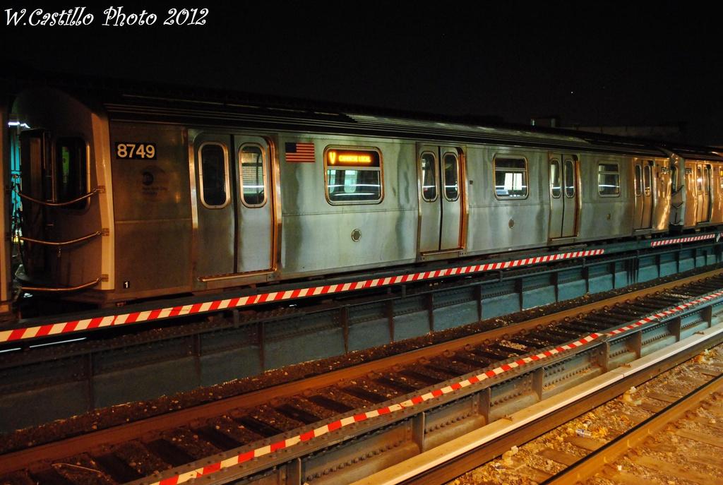 (303k, 1024x687)<br><b>Country:</b> United States<br><b>City:</b> New York<br><b>System:</b> New York City Transit<br><b>Line:</b> BMT Brighton Line<br><b>Location:</b> Avenue U <br><b>Route:</b> Layup<br><b>Car:</b> R-160B (Kawasaki, 2005-2008)  8749 <br><b>Photo by:</b> Wilfredo Castillo<br><b>Date:</b> 11/11/2012<br><b>Viewed (this week/total):</b> 1 / 742