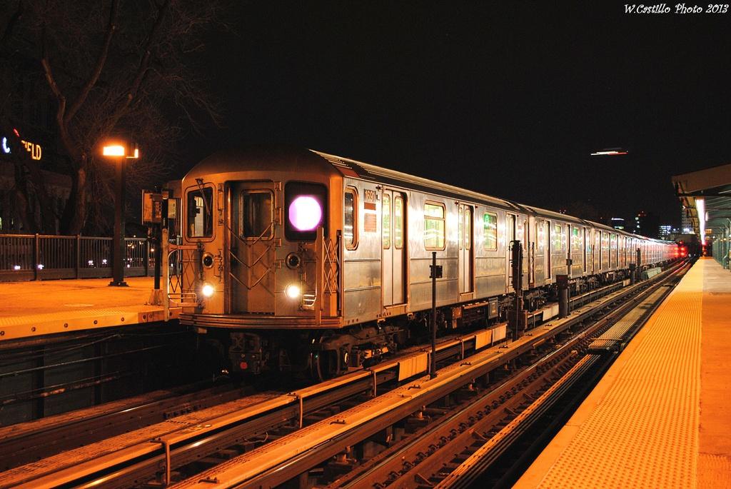 (334k, 1024x685)<br><b>Country:</b> United States<br><b>City:</b> New York<br><b>System:</b> New York City Transit<br><b>Line:</b> IRT Flushing Line<br><b>Location:</b> Willets Point/Mets (fmr. Shea Stadium) <br><b>Route:</b> 7<br><b>Car:</b> R-62A (Bombardier, 1984-1987)  1691 <br><b>Photo by:</b> Wilfredo Castillo<br><b>Date:</b> 2/28/2013<br><b>Viewed (this week/total):</b> 1 / 809