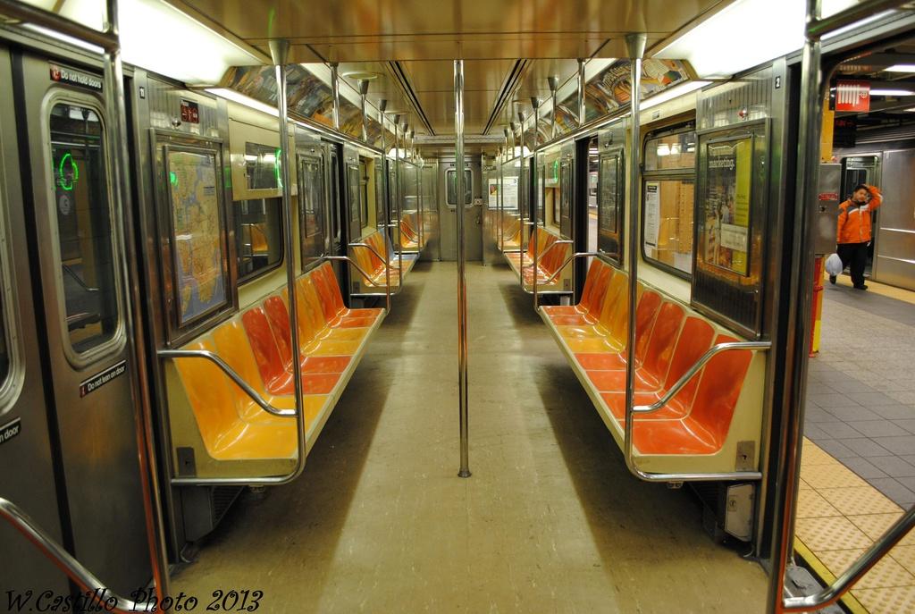 (312k, 1024x687)<br><b>Country:</b> United States<br><b>City:</b> New York<br><b>System:</b> New York City Transit<br><b>Line:</b> IRT Flushing Line<br><b>Location:</b> Main Street/Flushing <br><b>Route:</b> 7<br><b>Car:</b> R-62A (Bombardier, 1984-1987)  2093 <br><b>Photo by:</b> Wilfredo Castillo<br><b>Date:</b> 2/28/2013<br><b>Viewed (this week/total):</b> 1 / 1467