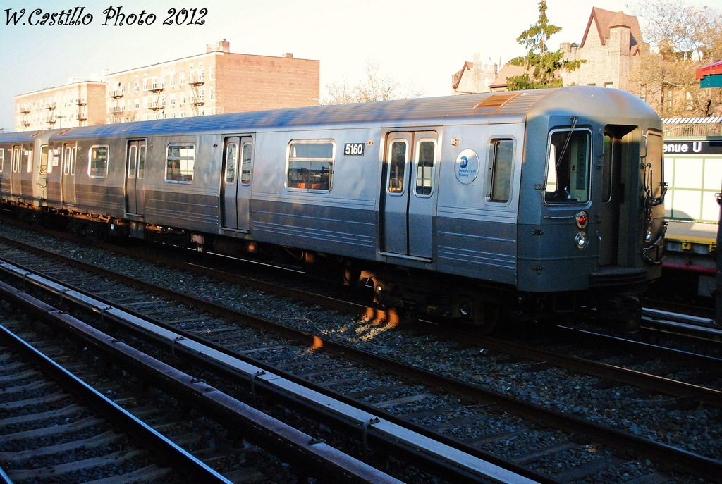 (340k, 1024x687)<br><b>Country:</b> United States<br><b>City:</b> New York<br><b>System:</b> New York City Transit<br><b>Line:</b> BMT Brighton Line<br><b>Location:</b> Avenue U <br><b>Route:</b> B<br><b>Car:</b> R-68A (Kawasaki, 1988-1989)  5160 <br><b>Photo by:</b> Wilfredo Castillo<br><b>Date:</b> 11/11/2012<br><b>Viewed (this week/total):</b> 0 / 736