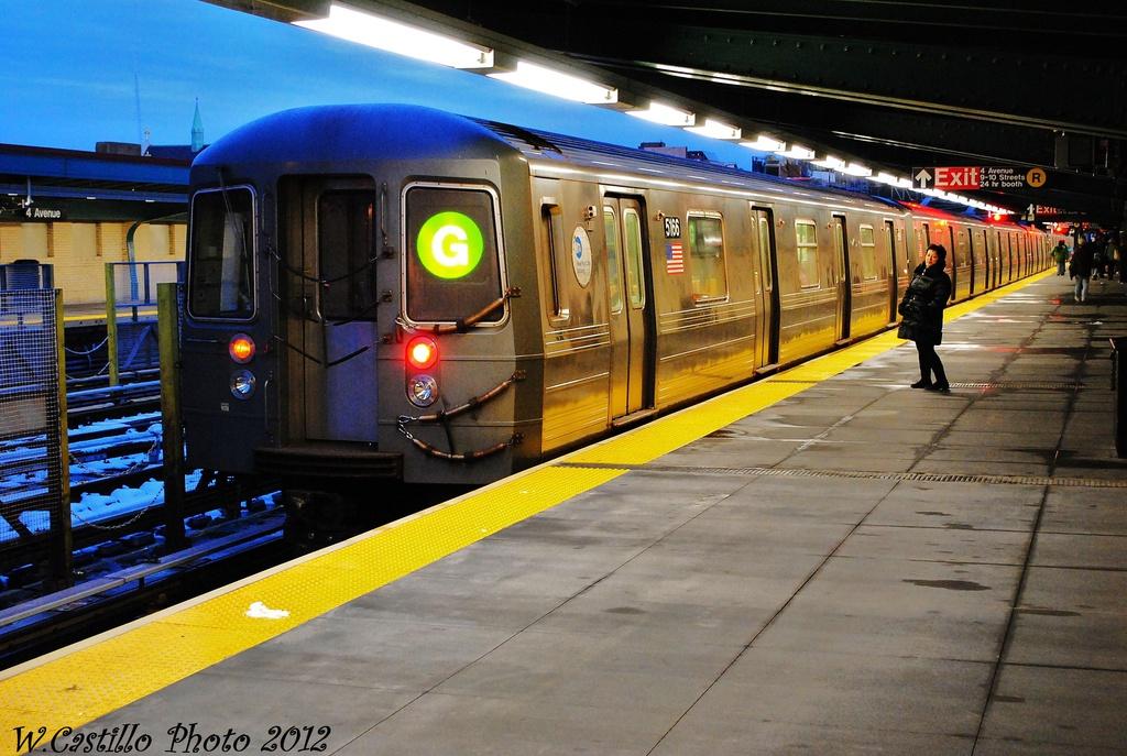 (343k, 1024x687)<br><b>Country:</b> United States<br><b>City:</b> New York<br><b>System:</b> New York City Transit<br><b>Line:</b> BMT 4th Avenue<br><b>Location:</b> 9th Street <br><b>Route:</b> G<br><b>Car:</b> R-68A (Kawasaki, 1988-1989)  5166 <br><b>Photo by:</b> Wilfredo Castillo<br><b>Date:</b> 11/8/2012<br><b>Viewed (this week/total):</b> 1 / 1203