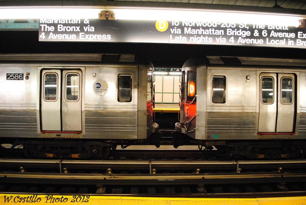 (289k, 1024x687)<br><b>Country:</b> United States<br><b>City:</b> New York<br><b>System:</b> New York City Transit<br><b>Line:</b> BMT West End Line<br><b>Location:</b> 79th Street <br><b>Route:</b> Layup<br><b>Car:</b> R-68 (Westinghouse-Amrail, 1986-1988)   <br><b>Photo by:</b> Wilfredo Castillo<br><b>Date:</b> 11/12/2012<br><b>Viewed (this week/total):</b> 2 / 1168