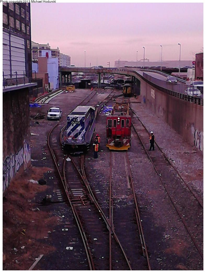 (298k, 788x1044)<br><b>Country:</b> United States<br><b>City:</b> New York<br><b>System:</b> New York City Transit<br><b>Line:</b> South Brooklyn Railway<br><b>Location:</b> 3rd Avenue/38th St Crossing (Gowanus) (SBK)<br><b>Car:</b> R-156 Diesel-Electric Locomotive (MPI, 2012-2013) 913/N2 <br><b>Photo by:</b> Michael Hodurski<br><b>Date:</b> 2/7/2013<br><b>Viewed (this week/total):</b> 3 / 1044