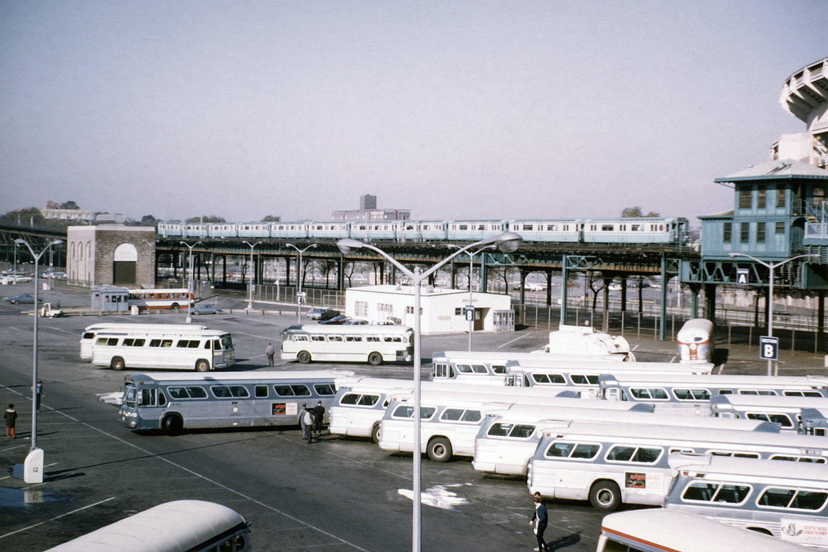 (359k, 1024x683)<br><b>Country:</b> United States<br><b>City:</b> New York<br><b>System:</b> New York City Transit<br><b>Line:</b> IRT Flushing Line<br><b>Location:</b> Willets Point/Mets (fmr. Shea Stadium) <br><b>Route:</b> 7<br><b>Car:</b> R-36 World's Fair (St. Louis, 1963-64)  <br><b>Collection of:</b> David Pirmann<br><b>Viewed (this week/total):</b> 8 / 1947