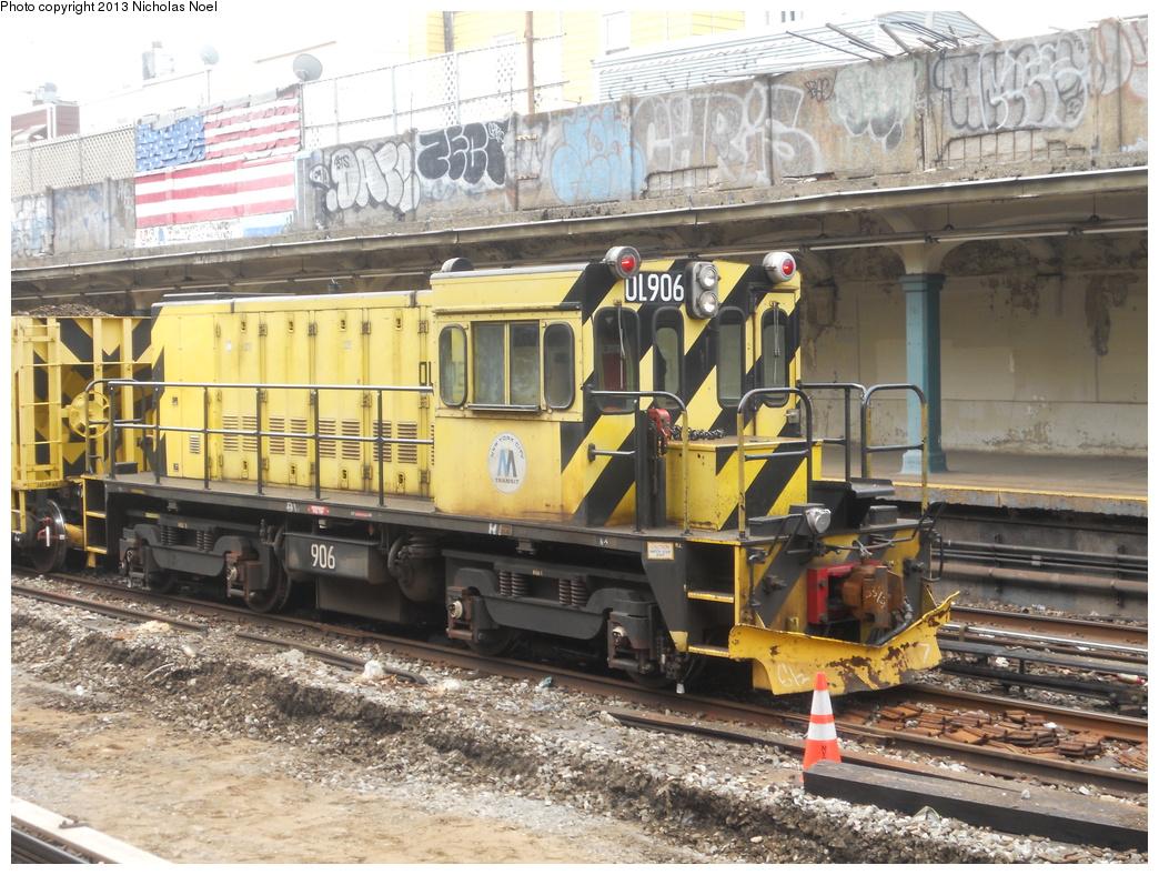 (443k, 1044x788)<br><b>Country:</b> United States<br><b>City:</b> New York<br><b>System:</b> New York City Transit<br><b>Line:</b> BMT Sea Beach Line<br><b>Location:</b> Avenue U <br><b>Route:</b> Work Service<br><b>Car:</b> R-120 Locomotive  906 <br><b>Photo by:</b> Nicholas Noel<br><b>Date:</b> 3/15/2013<br><b>Viewed (this week/total):</b> 0 / 870