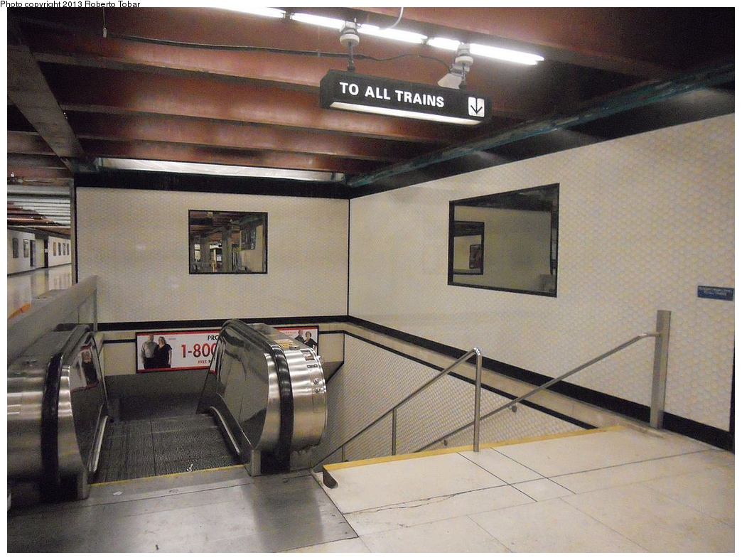 (311k, 1044x788)<br><b>Country:</b> United States<br><b>City:</b> San Francisco/Bay Area, CA<br><b>System:</b> BART<br><b>Location:</b> Powell <br><b>Photo by:</b> Roberto C. Tobar<br><b>Date:</b> 4/4/2012<br><b>Viewed (this week/total):</b> 0 / 572