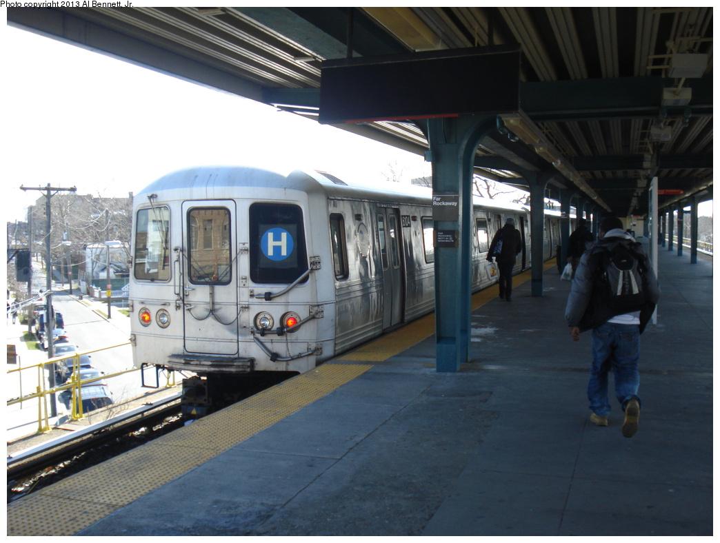 (302k, 1044x788)<br><b>Country:</b> United States<br><b>City:</b> New York<br><b>System:</b> New York City Transit<br><b>Line:</b> IND Rockaway<br><b>Location:</b> Mott Avenue/Far Rockaway <br><b>Route:</b> H<br><b>Car:</b> R-46 (Pullman-Standard, 1974-75) 6104 <br><b>Photo by:</b> Al Bennett, Jr.<br><b>Date:</b> 4/3/2013<br><b>Viewed (this week/total):</b> 1 / 1089
