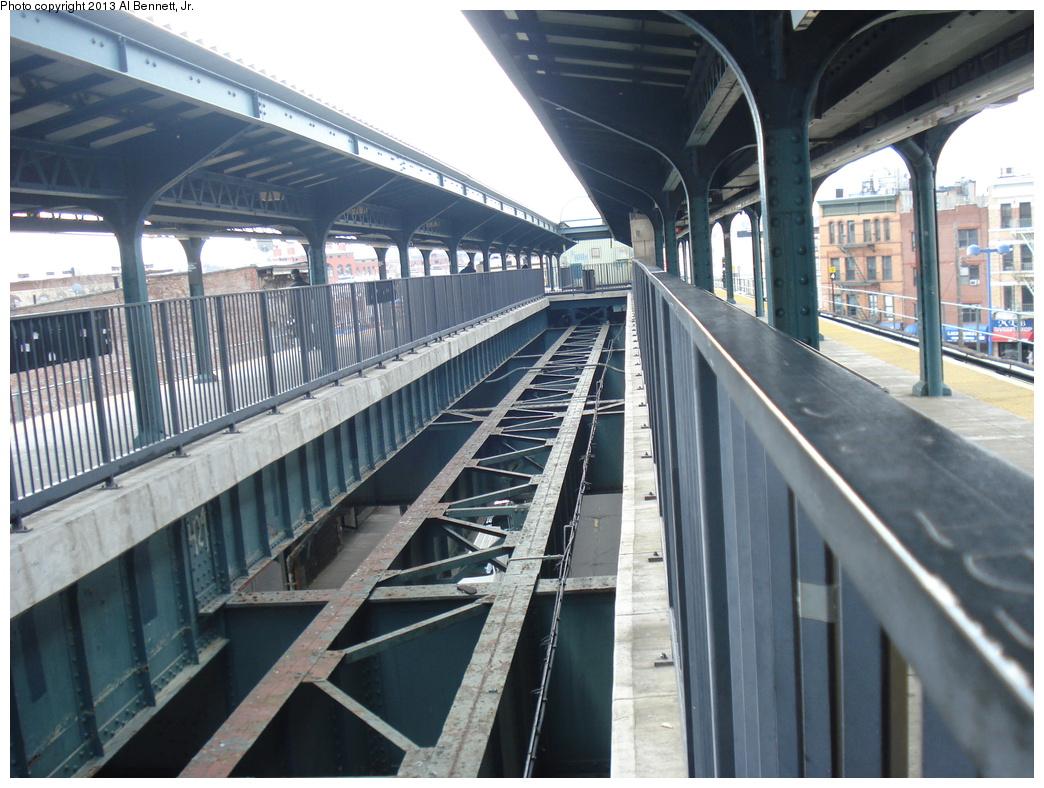 (354k, 1044x788)<br><b>Country:</b> United States<br><b>City:</b> New York<br><b>System:</b> New York City Transit<br><b>Line:</b> BMT Myrtle Avenue Line<br><b>Location:</b> Wyckoff Avenue <br><b>Photo by:</b> Al Bennett, Jr.<br><b>Date:</b> 4/1/2013<br><b>Viewed (this week/total):</b> 3 / 1478