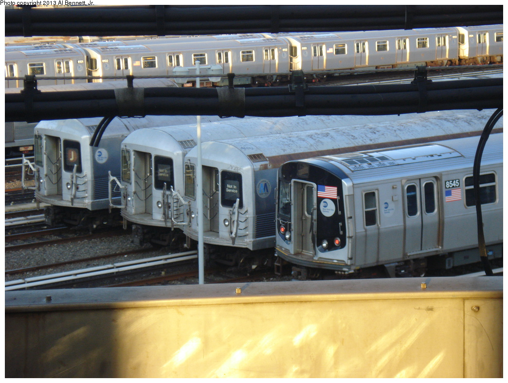 (327k, 1044x788)<br><b>Country:</b> United States<br><b>City:</b> New York<br><b>System:</b> New York City Transit<br><b>Location:</b> East New York Yard/Shops<br><b>Car:</b> R-42 (St. Louis, 1969-1970)   <br><b>Photo by:</b> Al Bennett, Jr.<br><b>Date:</b> 4/1/2013<br><b>Viewed (this week/total):</b> 1 / 711