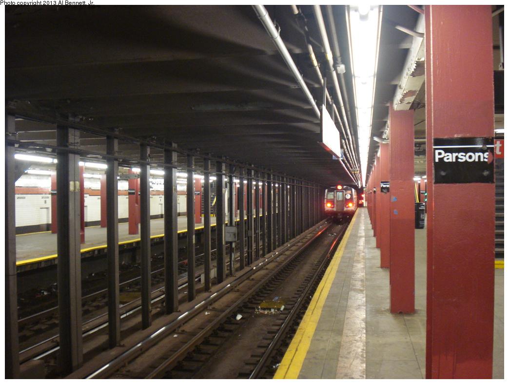 (345k, 1044x788)<br><b>Country:</b> United States<br><b>City:</b> New York<br><b>System:</b> New York City Transit<br><b>Line:</b> IND Queens Boulevard Line<br><b>Location:</b> Parsons Boulevard <br><b>Route:</b> F<br><b>Car:</b> R-160A/R-160B Series (Number Unknown)  <br><b>Photo by:</b> Al Bennett, Jr.<br><b>Date:</b> 4/5/2013<br><b>Viewed (this week/total):</b> 2 / 1200