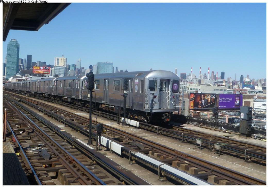 (324k, 1044x731)<br><b>Country:</b> United States<br><b>City:</b> New York<br><b>System:</b> New York City Transit<br><b>Line:</b> IRT Flushing Line<br><b>Location:</b> 40th Street/Lowery Street <br><b>Route:</b> 7<br><b>Car:</b> R-62A (Bombardier, 1984-1987)  1995 <br><b>Photo by:</b> Kevin Wong<br><b>Date:</b> 4/6/2013<br><b>Viewed (this week/total):</b> 7 / 988