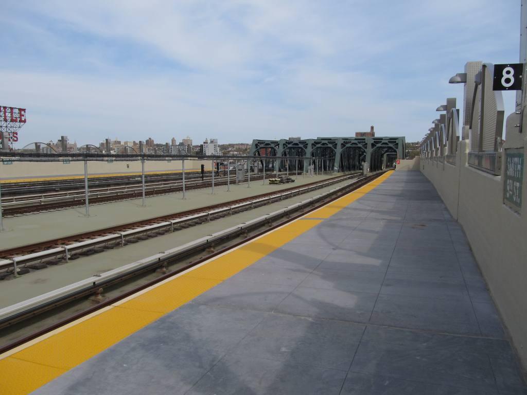 (84k, 1024x768)<br><b>Country:</b> United States<br><b>City:</b> New York<br><b>System:</b> New York City Transit<br><b>Line:</b> IND Crosstown Line<br><b>Location:</b> Smith/9th Street <br><b>Photo by:</b> Robbie Rosenfeld<br><b>Date:</b> 4/28/2013<br><b>Viewed (this week/total):</b> 0 / 1039