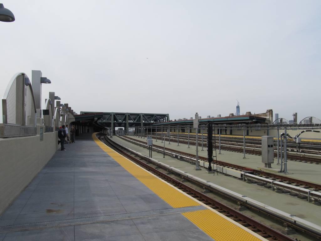 (83k, 1024x768)<br><b>Country:</b> United States<br><b>City:</b> New York<br><b>System:</b> New York City Transit<br><b>Line:</b> IND Crosstown Line<br><b>Location:</b> Smith/9th Street <br><b>Photo by:</b> Robbie Rosenfeld<br><b>Date:</b> 4/28/2013<br><b>Viewed (this week/total):</b> 0 / 1005