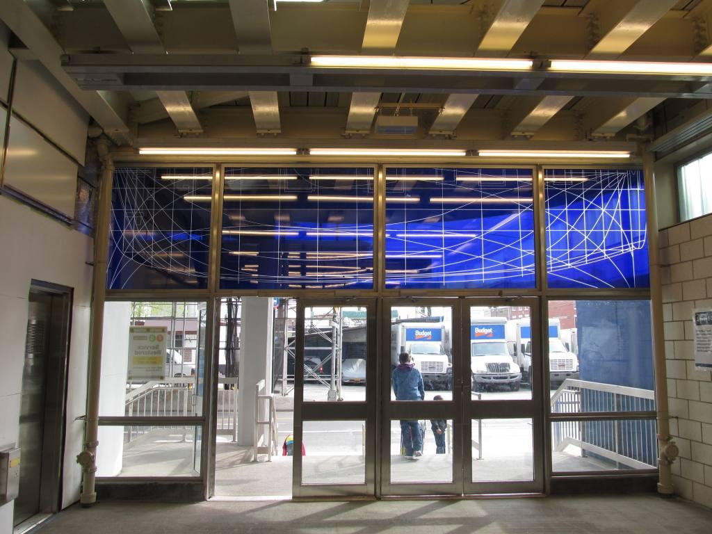 (135k, 1024x768)<br><b>Country:</b> United States<br><b>City:</b> New York<br><b>System:</b> New York City Transit<br><b>Line:</b> IND Crosstown Line<br><b>Location:</b> Smith/9th Street <br><b>Photo by:</b> Robbie Rosenfeld<br><b>Date:</b> 4/28/2013<br><b>Viewed (this week/total):</b> 0 / 900