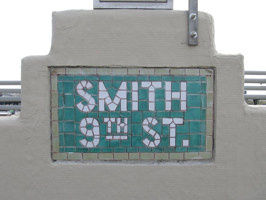 (81k, 1024x768)<br><b>Country:</b> United States<br><b>City:</b> New York<br><b>System:</b> New York City Transit<br><b>Line:</b> IND Crosstown Line<br><b>Location:</b> Smith/9th Street <br><b>Photo by:</b> Robbie Rosenfeld<br><b>Date:</b> 4/28/2013<br><b>Viewed (this week/total):</b> 0 / 691