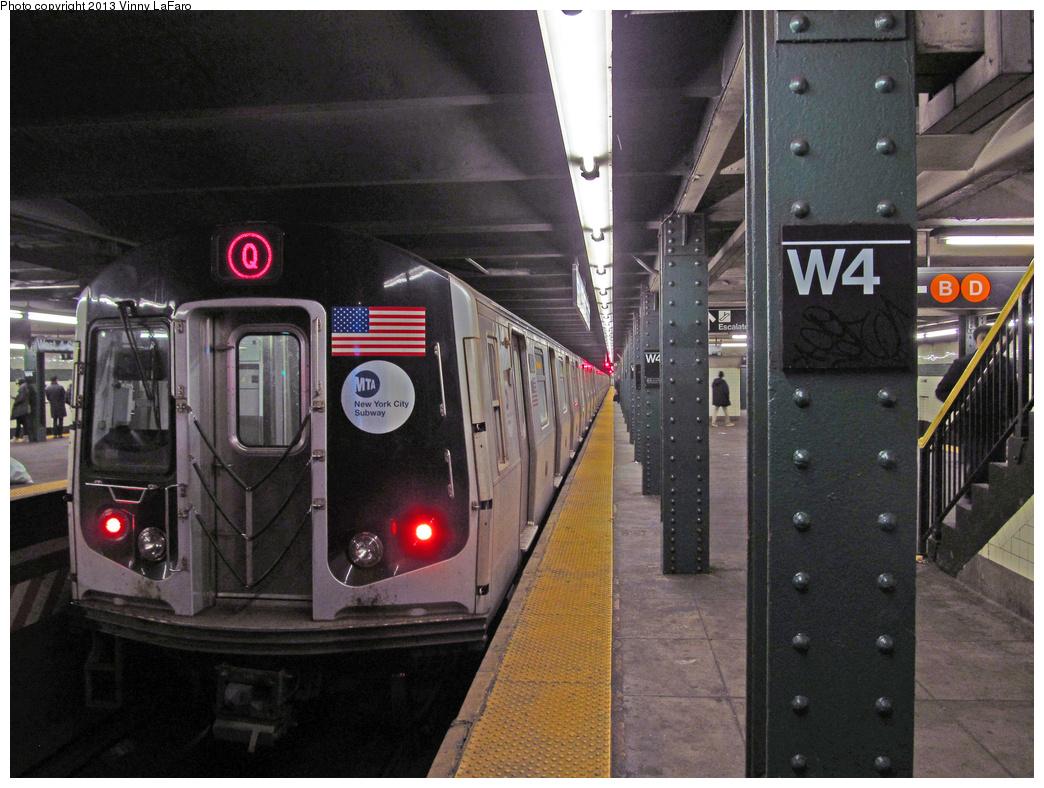 (408k, 1044x788)<br><b>Country:</b> United States<br><b>City:</b> New York<br><b>System:</b> New York City Transit<br><b>Line:</b> IND 6th Avenue Line<br><b>Location:</b> West 4th Street/Washington Square <br><b>Route:</b> Q reroute<br><b>Car:</b> R-160A/R-160B Series (Number Unknown)  <br><b>Photo by:</b> Vinny LaFaro<br><b>Date:</b> 1/28/2013<br><b>Notes:</b> Rerouted to 57-6th due to FASTRACK<br><b>Viewed (this week/total):</b> 3 / 1268