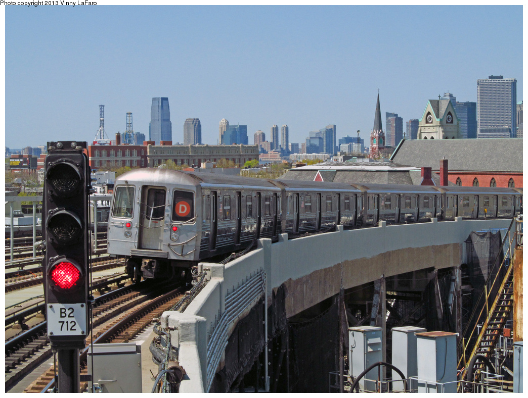 (407k, 1044x788)<br><b>Country:</b> United States<br><b>City:</b> New York<br><b>System:</b> New York City Transit<br><b>Line:</b> IND Crosstown Line<br><b>Location:</b> Smith/9th Street <br><b>Route:</b> D reroute<br><b>Car:</b> R-68 (Westinghouse-Amrail, 1986-1988)  2550 <br><b>Photo by:</b> Vinny LaFaro<br><b>Date:</b> 4/27/2013<br><b>Notes:</b> Rerouted via Culver due to signal problems At Atlantic Av<br><b>Viewed (this week/total):</b> 1 / 1376