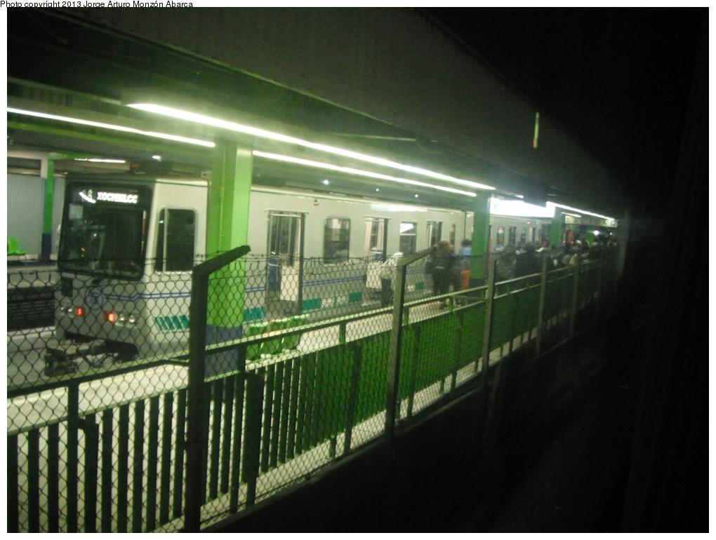 (248k, 1020x770)<br><b>Country:</b> Mexico<br><b>City:</b> Mexico City<br><b>System:</b> Mexico City Metro (Sistema de Transporte Colectivo Metro - STM)<br><b>Line:</b> Xochimilco Light Rail (Tren Ligero) L1<br><b>Location:</b> Taxqueña <br><b>Photo by:</b> Jorge Arturo Monzón Abarca<br><b>Date:</b> 12/3/2012<br><b>Viewed (this week/total):</b> 2 / 488