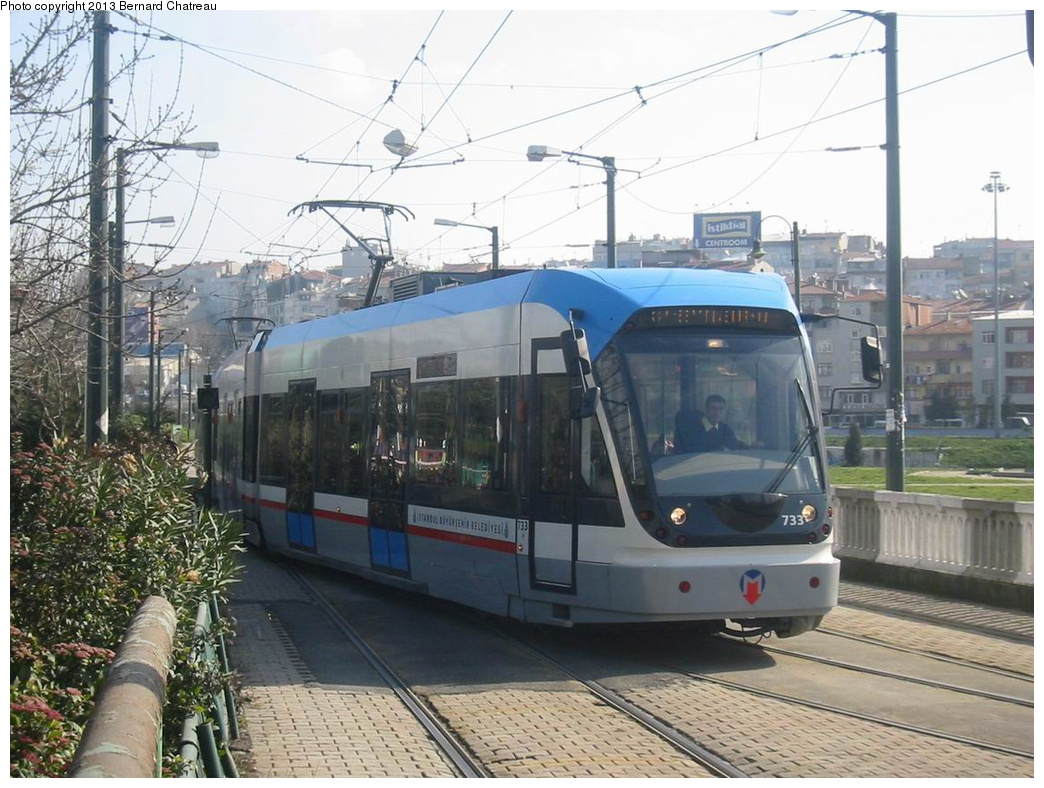 (295k, 1044x788)<br><b>Country:</b> Turkey<br><b>City:</b> Istanbul<br><b>System:</b> İstanbul Ulaşım (Istanbul Transport)<br><b>Line:</b> T1 Kabatas-Bagcilar <br><b>Location:</b> Zeytinburnu (T1) <br><b>Car:</b>  733 <br><b>Photo by:</b> Bernard Chatreau<br><b>Date:</b> 2/25/2005<br><b>Viewed (this week/total):</b> 1 / 329