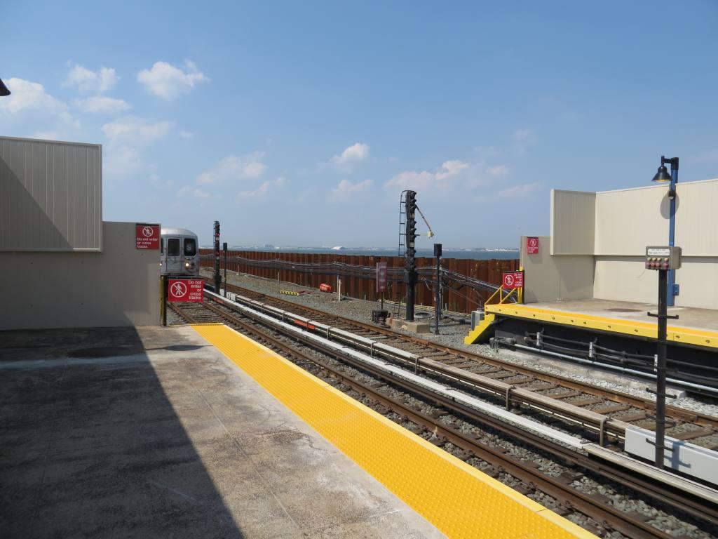 (103k, 1024x768)<br><b>Country:</b> United States<br><b>City:</b> New York<br><b>System:</b> New York City Transit<br><b>Line:</b> IND Rockaway<br><b>Location:</b> Broad Channel <br><b>Photo by:</b> Robbie Rosenfeld<br><b>Date:</b> 5/30/2013<br><b>Notes:</b> Sea wall<br><b>Viewed (this week/total):</b> 0 / 1333