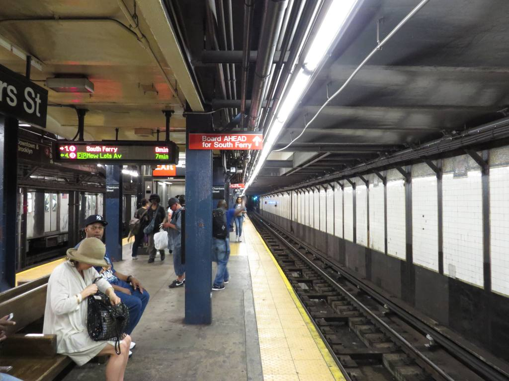 (119k, 1024x768)<br><b>Country:</b> United States<br><b>City:</b> New York<br><b>System:</b> New York City Transit<br><b>Line:</b> IRT West Side Line<br><b>Location:</b> Chambers Street <br><b>Photo by:</b> Robbie Rosenfeld<br><b>Date:</b> 5/21/2013<br><b>Notes:</b> Sign indicating to board the head of the train for South Ferry passengers.<br><b>Viewed (this week/total):</b> 0 / 1477