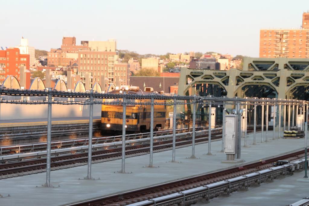 (126k, 1024x683)<br><b>Country:</b> United States<br><b>City:</b> New York<br><b>System:</b> New York City Transit<br><b>Line:</b> IND Crosstown Line<br><b>Location:</b> 4th Avenue <br><b>Route:</b> Work Service<br><b>Car:</b> Sperry Rail Service  403 <br><b>Photo by:</b> Robbie Rosenfeld<br><b>Date:</b> 4/30/2013<br><b>Notes:</b> SRS 403<br><b>Viewed (this week/total):</b> 0 / 1253