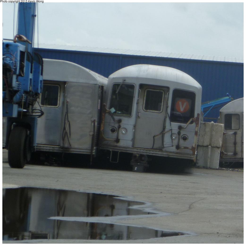 (298k, 1042x1044)<br><b>Country:</b> United States<br><b>City:</b> New York<br><b>System:</b> New York City Transit<br><b>Location:</b> Sims Metal, Newark NJ<br><b>Car:</b> R-42 (St. Louis, 1969-1970)  4704/4705 <br><b>Photo by:</b> Kevin Wong<br><b>Date:</b> 7/2/2013<br><b>Viewed (this week/total):</b> 0 / 1128