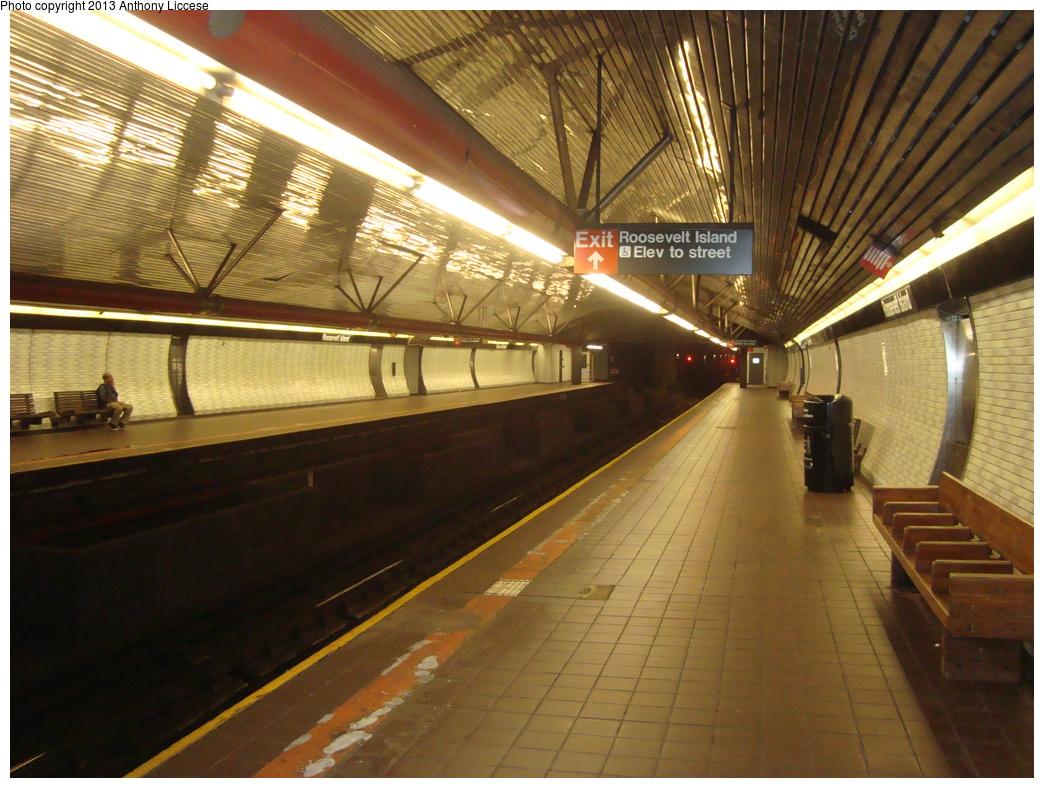 (375k, 1044x788)<br><b>Country:</b> United States<br><b>City:</b> New York<br><b>System:</b> New York City Transit<br><b>Line:</b> IND 63rd Street<br><b>Location:</b> Roosevelt Island <br><b>Photo by:</b> Anthony J. Liccese<br><b>Date:</b> 6/20/2013<br><b>Viewed (this week/total):</b> 0 / 1234