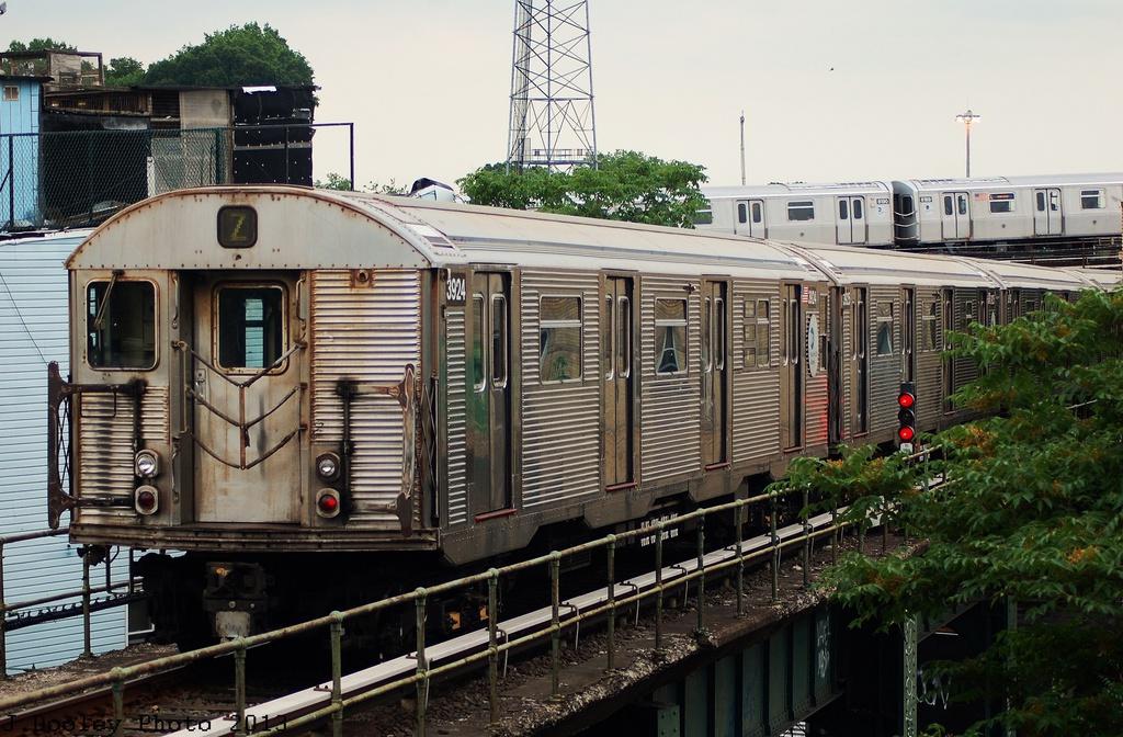 (357k, 1024x672)<br><b>Country:</b> United States<br><b>City:</b> New York<br><b>System:</b> New York City Transit<br><b>Location:</b> East New York Yard/Shops<br><b>Route:</b> J<br><b>Car:</b> R-32 (Budd, 1964)  3924 <br><b>Photo by:</b> John Dooley<br><b>Date:</b> 6/26/2013<br><b>Viewed (this week/total):</b> 1 / 768
