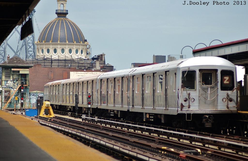 (312k, 1024x667)<br><b>Country:</b> United States<br><b>City:</b> New York<br><b>System:</b> New York City Transit<br><b>Line:</b> BMT Nassau Street/Jamaica Line<br><b>Location:</b> Marcy Avenue <br><b>Route:</b> J<br><b>Car:</b> R-42 (St. Louis, 1969-1970)  4811 <br><b>Photo by:</b> John Dooley<br><b>Date:</b> 6/26/2013<br><b>Viewed (this week/total):</b> 0 / 995