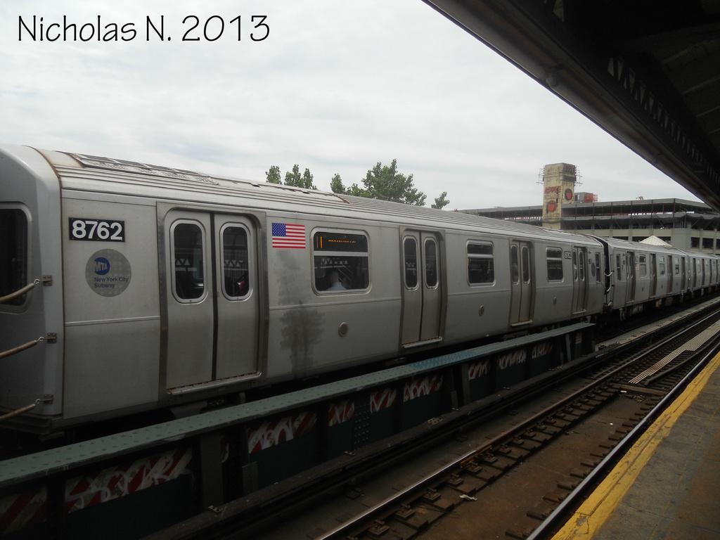(254k, 1024x768)<br><b>Country:</b> United States<br><b>City:</b> New York<br><b>System:</b> New York City Transit<br><b>Line:</b> BMT Astoria Line<br><b>Location:</b> 39th/Beebe Aves. <br><b>Route:</b> N<br><b>Car:</b> R-160B (Kawasaki, 2005-2008)  8762 <br><b>Photo by:</b> Nicholas Noel<br><b>Date:</b> 6/2013<br><b>Viewed (this week/total):</b> 1 / 850