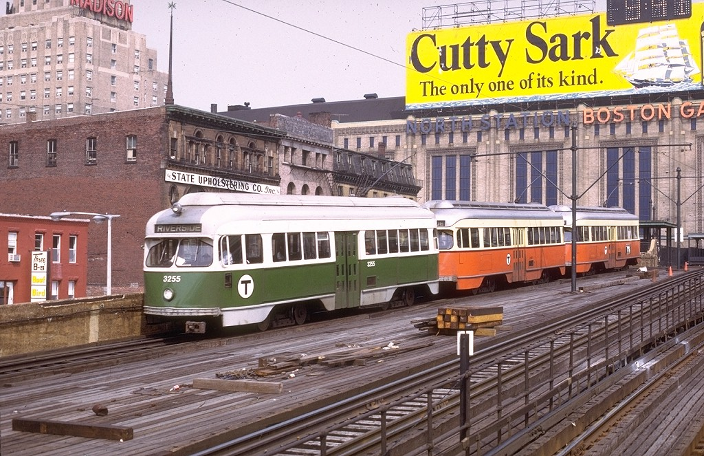 (263k, 1024x663)<br><b>Country:</b> United States<br><b>City:</b> Boston, MA<br><b>System:</b> MBTA<br><b>Line:</b> MBTA Green <br><b>Location:</b> North Station (Viaduct) <br><b>Car:</b> MBTA/BSRy PCC Wartime (Pullman-Standard, 1945-46)  3255 <br><b>Photo by:</b> Joe Testagrose<br><b>Date:</b> 7/7/1972<br><b>Viewed (this week/total):</b> 2 / 3447