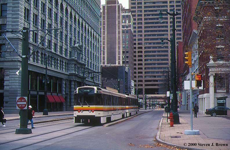 (129k, 793x519)<br><b>Country:</b> United States<br><b>City:</b> Buffalo, NY<br><b>System:</b> NFTA-Metro<br><b>Photo by:</b> Steven J. Brown<br><b>Date:</b> 11/18/2000<br><b>Viewed (this week/total):</b> 3 / 9026