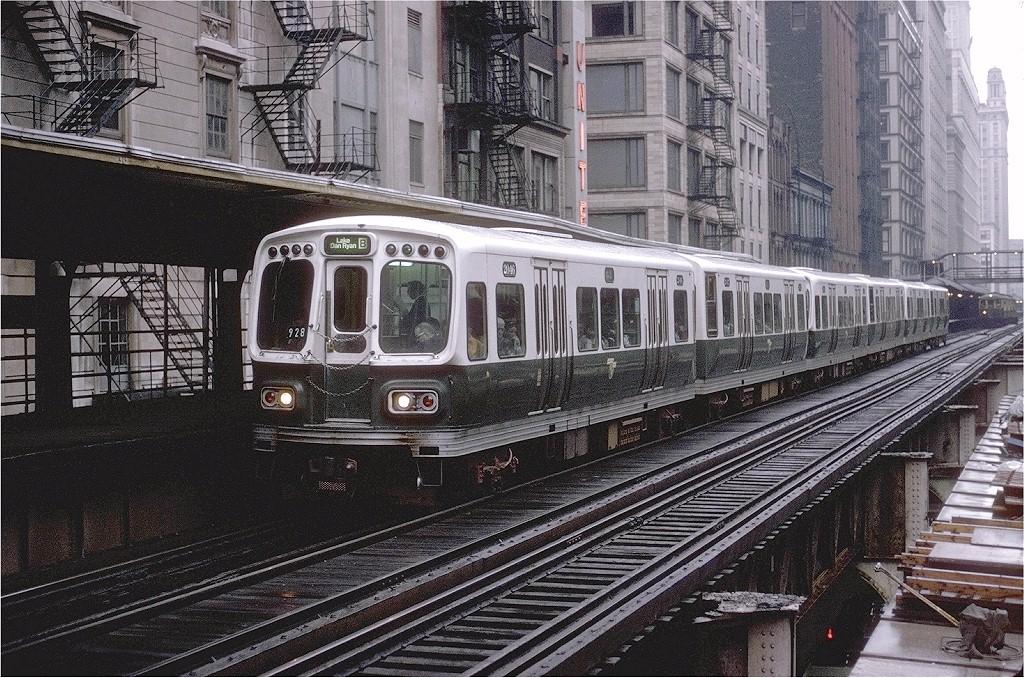 (291k, 1024x678)<br><b>Country:</b> United States<br><b>City:</b> Chicago, IL<br><b>System:</b> Chicago Transit Authority<br><b>Line:</b> CTA Loop<br><b>Location:</b> Adams/Wabash<br><b>Route:</b> Lake/Dan Ryan B<br><b>Car:</b> CTA 2000 Series 2046 <br><b>Photo by:</b> Joe Testagrose<br><b>Date:</b> 8/19/1970<br><b>Viewed (this week/total):</b> 0 / 1906