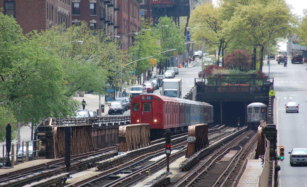 (258k, 1024x624)<br><b>Country:</b> United States<br><b>City:</b> New York<br><b>System:</b> New York City Transit<br><b>Line:</b> IRT West Side Line<br><b>Location:</b> 125th Street <br><b>Route:</b> Museum Train Service<br><b>Car:</b> R-33 Main Line (St. Louis, 1962-63) 9017 <br><b>Photo by:</b> Brian Weinberg<br><b>Date:</b> 5/1/2008<br><b>Notes:</b> 100th Anniversary of Brooklyn subway service museum train service.<br><b>Viewed (this week/total):</b> 3 / 3019