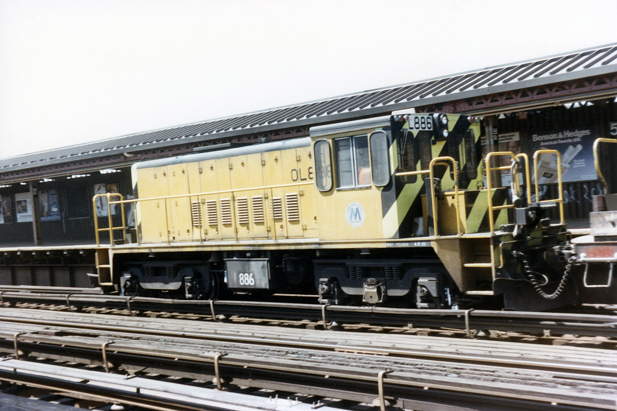 (391k, 1044x699)<br><b>Country:</b> United States<br><b>City:</b> New York<br><b>System:</b> New York City Transit<br><b>Line:</b> BMT West End Line<br><b>Location:</b> 55th Street <br><b>Car:</b> R-77 Locomotive  886 <br><b>Collection of:</b> David Pirmann<br><b>Date:</b> 5/8/1985<br><b>Viewed (this week/total):</b> 0 / 3315