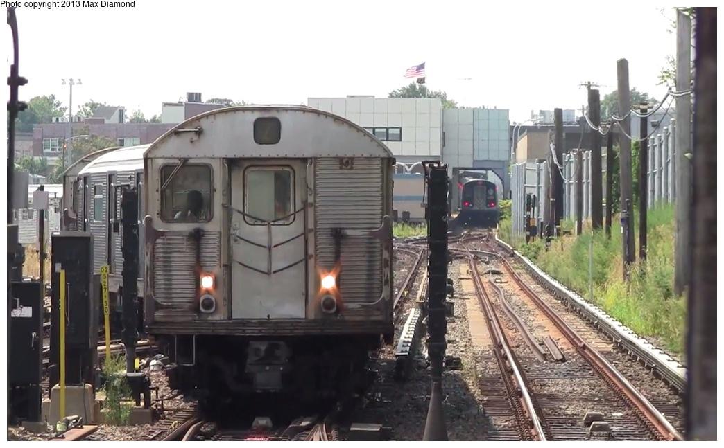 (218k, 1044x647)<br><b>Country:</b> United States<br><b>City:</b> New York<br><b>System:</b> New York City Transit<br><b>Line:</b> BMT Canarsie Line<br><b>Location:</b> East 105th Street <br><b>Car:</b> R-32 (Budd, 1964)  3447 <br><b>Photo by:</b> Max Diamond<br><b>Date:</b> 8/21/2013<br><b>Viewed (this week/total):</b> 2 / 1353