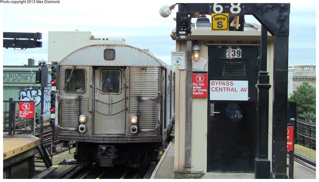 (275k, 1044x596)<br><b>Country:</b> United States<br><b>City:</b> New York<br><b>System:</b> New York City Transit<br><b>Line:</b> BMT Nassau Street/Jamaica Line<br><b>Location:</b> Myrtle Avenue <br><b>Route:</b> J<br><b>Car:</b> R-32 (Budd, 1964)   <br><b>Photo by:</b> Max Diamond<br><b>Date:</b> 7/25/2013<br><b>Viewed (this week/total):</b> 5 / 1234