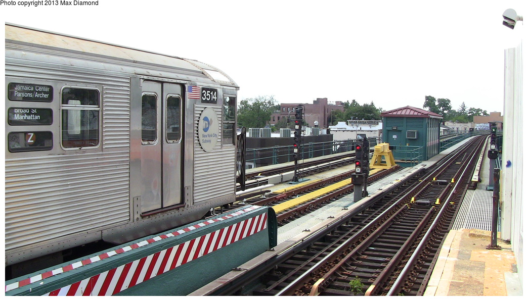 (291k, 1044x596)<br><b>Country:</b> United States<br><b>City:</b> New York<br><b>System:</b> New York City Transit<br><b>Line:</b> BMT Nassau Street/Jamaica Line<br><b>Location:</b> 111th Street <br><b>Route:</b> Z<br><b>Car:</b> R-32 (Budd, 1964)  3514 <br><b>Photo by:</b> Max Diamond<br><b>Date:</b> 7/27/2013<br><b>Viewed (this week/total):</b> 0 / 1123