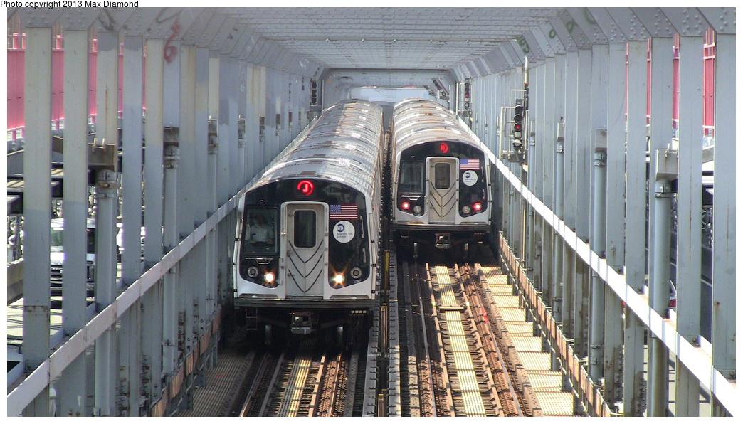 (313k, 1044x596)<br><b>Country:</b> United States<br><b>City:</b> New York<br><b>System:</b> New York City Transit<br><b>Line:</b> BMT Nassau Street/Jamaica Line<br><b>Location:</b> Williamsburg Bridge<br><b>Route:</b> J/M<br><b>Car:</b> R-160A/R-160B Series (Number Unknown)  <br><b>Photo by:</b> Max Diamond<br><b>Date:</b> 7/29/2013<br><b>Viewed (this week/total):</b> 0 / 1089