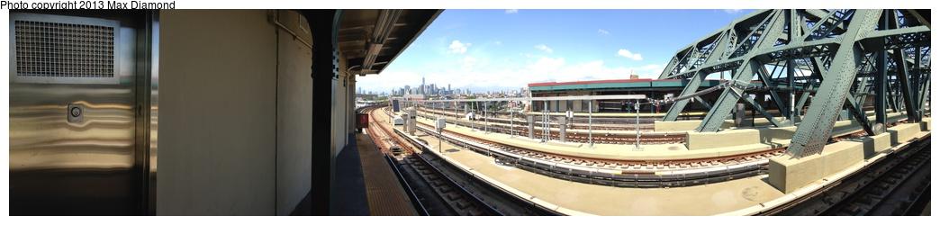 (114k, 1044x250)<br><b>Country:</b> United States<br><b>City:</b> New York<br><b>System:</b> New York City Transit<br><b>Line:</b> IND Crosstown Line<br><b>Location:</b> Smith/9th Street <br><b>Photo by:</b> Max Diamond<br><b>Date:</b> 8/7/2013<br><b>Notes:</b> Panorama<br><b>Viewed (this week/total):</b> 1 / 932